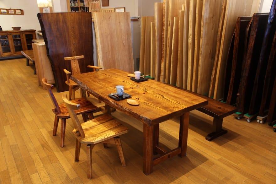 純木家具の家具を盛岡市内で体験